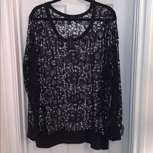 LB long sleeve black lace top